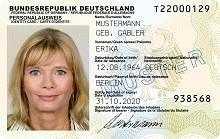 So sieht er aus: der neue Personalausweis - Quelle: BMI