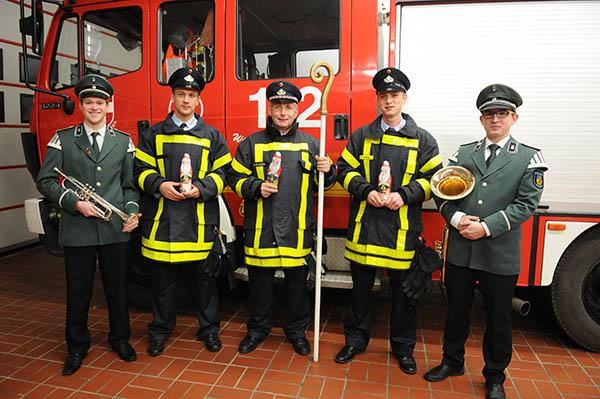 Feuerwehr und Schützenkapelle stehen auch für Brauchtum und Tradition