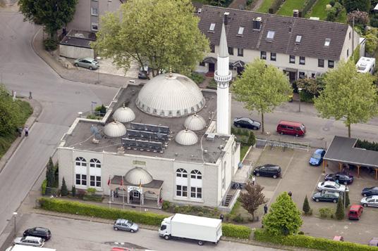 Das Bild zeigt die Moschee auf der Wielandstraße