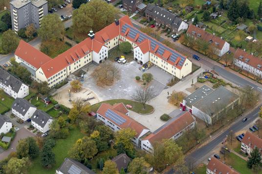 Das Bild zeigt die Schulen