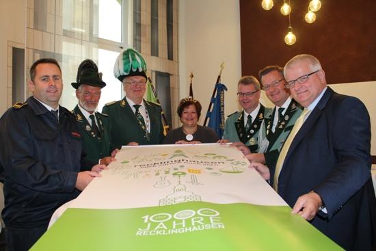 1000Schützen.jpg - Der Große Zapfenstreich ist eine Veranstaltung der Stadt Recklinghausen, der Freiwilligen Feuerwehren und natürlich der neun Schützengilden im Stadtgebiet.
