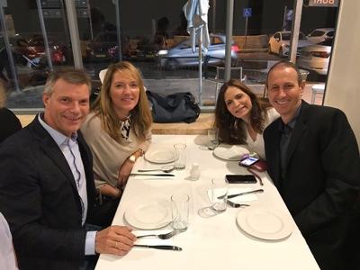 Pressefoto -  Bürgermeister Christoph Tesche mit seiner Frau Simone und seinem Amtskollegen Shimon Lankri und seiner Frau Dorit - v. l. -