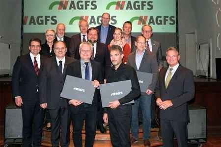Foto -  Präsidium und Vorstand der AGFS - Günther Rosenke, Präsidium der AGFS - Landrat des Kreis Euskirchen, Christine Fuchs, Vorstand der AGFS, Frank Meyer, Vorsitzender des Präsidiums der AGFS - Oberbürgermeister der Stadt Krefeld, Dr. Alexander Berger, Präsidium der AGFS - Bürgermeister der Stadt Ahlen.