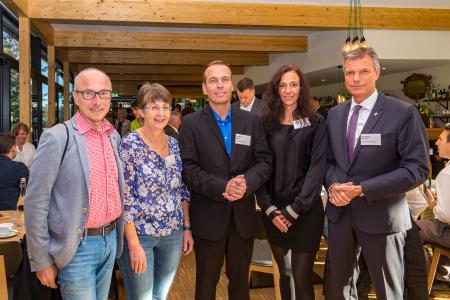 Die Bürgermeister Christoph Tesche  - r. - Recklinghausen - und Fred Toplak - l. Herten - freuten sich über die große Resonanz auf die Vorträge von Gabriele Halfar, Christian Jäger und Daniela Prause  -v.l. -