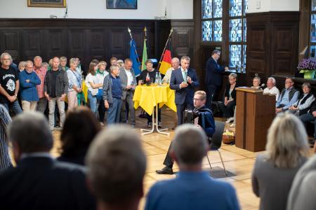 Zum traditionellen Empfang der Kleingärtner begrüßte Christoph Tesche am Donnerstag im Großen Sitzungssaal mit einem Gut Grün die zahlreichen Gäste.
