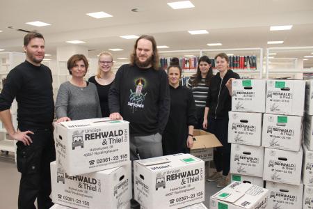 Der Umzug ist im vollen Gange: Das Team der Stadtbibliothek hat bis zur offiziellen Einweihung am 15. Dezember noch viel zu tun. Foto - Stadt RE