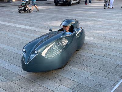 Ein echter Hingucker war auch das voll verkleidete Liegerad, das die Firma tri-mobil aus Bochum beim Fahrradtag präsentierte. Fotos - Stadt RE