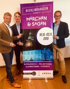 Bürgermeister Christoph Tesche, Georg Gabriel - Abteilungsleiter Stadtmarketing - und Arena-Chef Lars Tottmann stellten am Montag die ersten Details zur Ratshausshow vor.