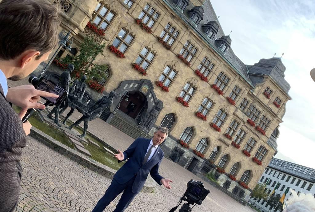 Bei der Produktion des Bewerbungsvideos stand Bürgermeister Christoph Tesche auch selbst vor der Kamera. Foto - Stadt RE