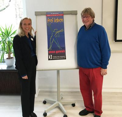 Auf dem Bild: Gleichstellungsbeauftragte Sandra Hilse und Referent Lothar Schulz vom Weißen Ring (Foto: Stadt Waltrop).