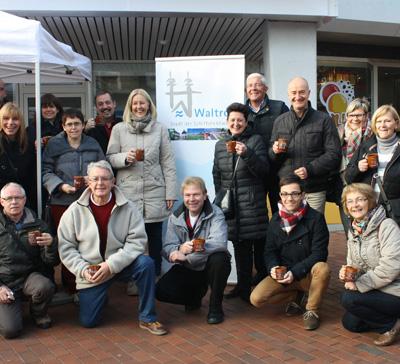 Auf dem Bild: Bürgermeisterin Nicole Moenikes und Uwe Seidenberg mit der Delegation aus Cesson-Sévigné (c) Urbaniak, Waltroper Zeitung
