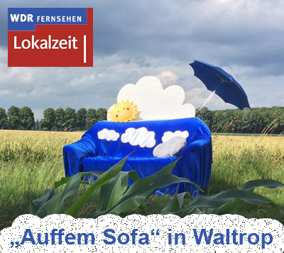 """Auf dem Bild: Das blaue """"Wolkensofa"""" vom WDR (Foto: © WDR, Tack)"""