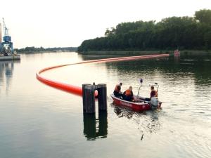 Boot auf dem Kanal