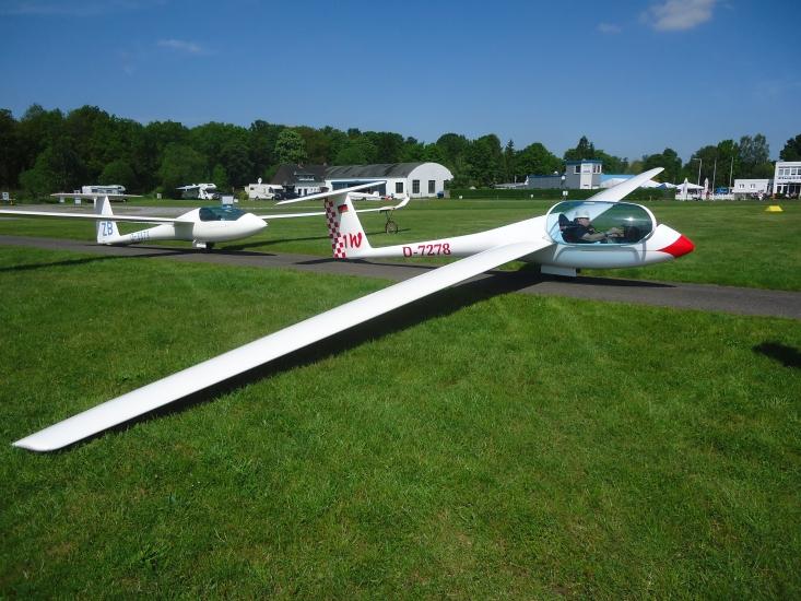 Segelflugzeug auf Flugplatz Borkenberge - Foto von Gisbert Alfing