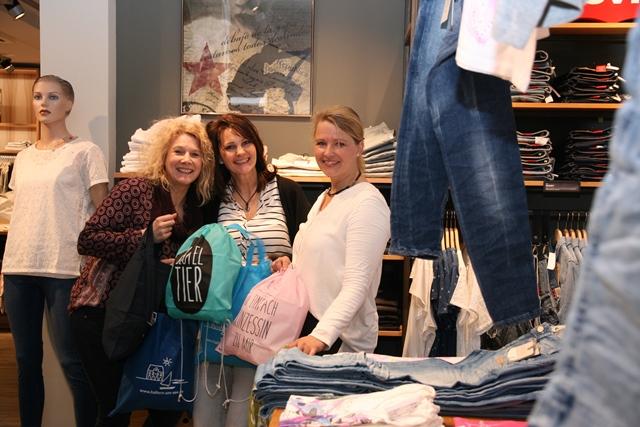 Shopping-Mädels - Foto Stadtagentur