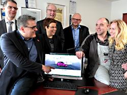 Das Bild zeigt die Beteiligten des Webseiten-Checks.