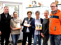 Das Bild zeigt von links Mitarbeiterinnen und Mitarbeiter von EnvisionTEC GmbH und der Wirtschaftsförderungen der Städte Gladbeck und Datteln