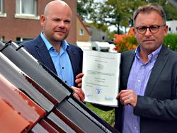 Das Bild zeigt rechts Jan Baron und links daneben Stefan Huxel.