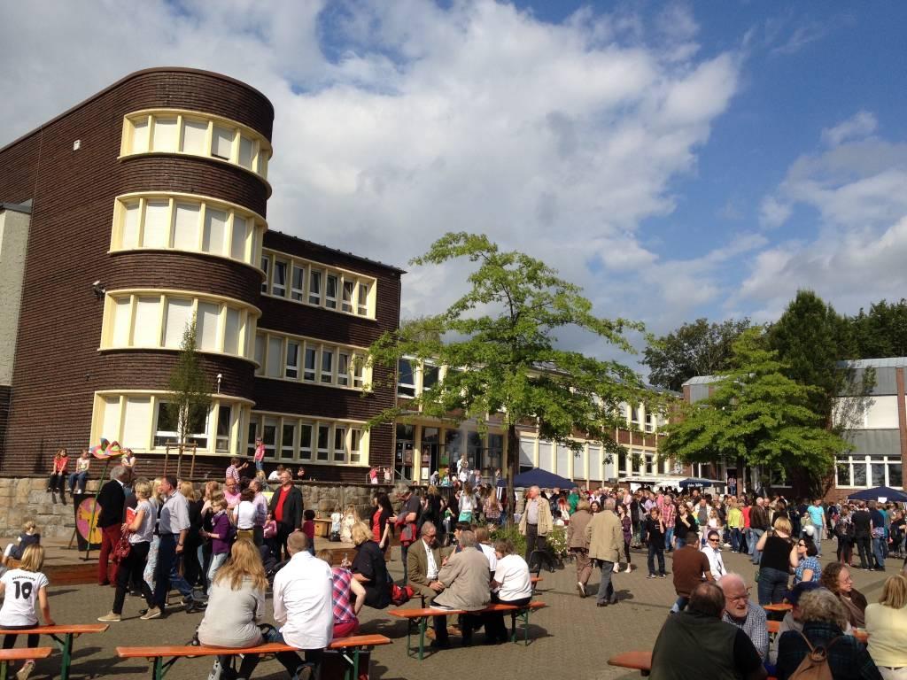 Das Foto zeigt das Comenius-Gymnasium