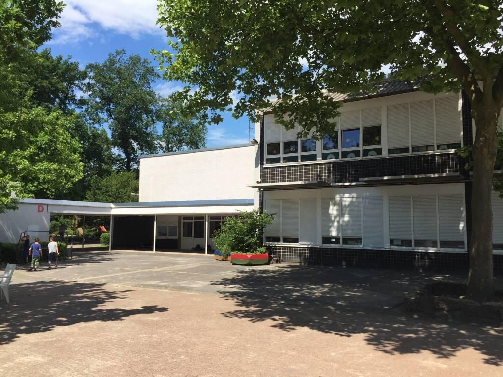 Das Foto zeigt die Albert-Schweitzer-Schule