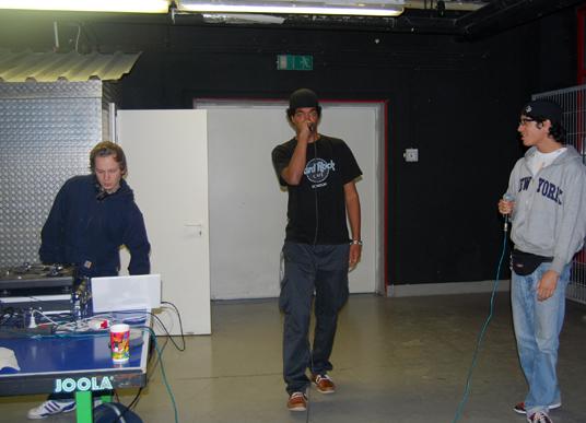 Das Bild zeigt junge Musiker