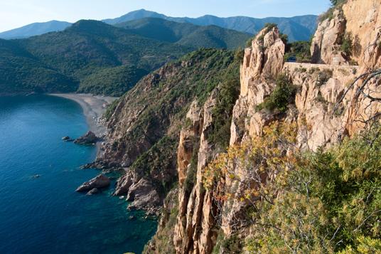 Das Bild zeigt die Küste von Korsika