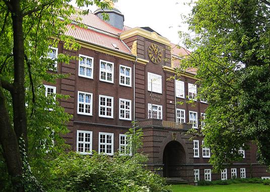 Das Bild zeigt die Aloysiusschule und die Lutherschule