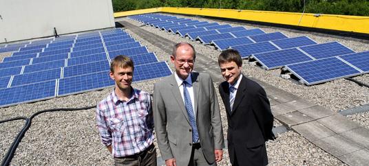 Bürgermeister Ulrich Roland stellte gemeinsam mit Klaus Schulze Langenhorst und Michael Chlapek vom Amt für Immobilienwirtschaft eine dieser Anlagen vor.