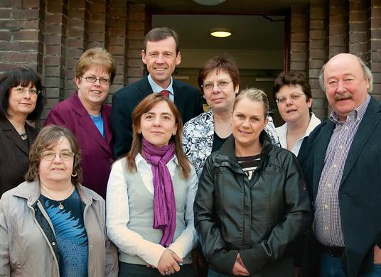 Das Bild zeigt das Team der VHS