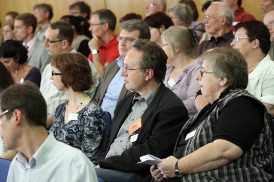 Das Bild zeigt die Teilnehmer der Stadtbildungskonferenz