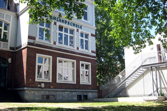 Das Bild zeigt die ehemalige Uhlandschule