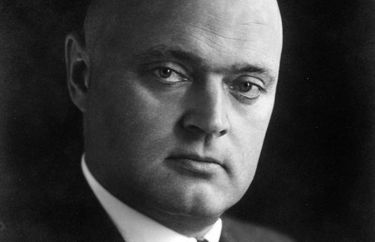 Das Bild zeigt Dr. Bernhard Hackenberg, Oberbürgermeister der Stadt Gladbeck von 1932 bis 1945.