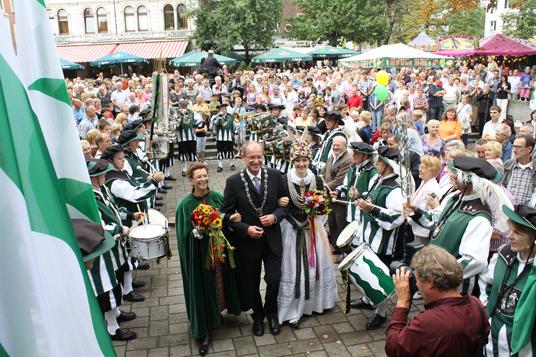 Das Bild zeigt das Appeltatenfest 2011