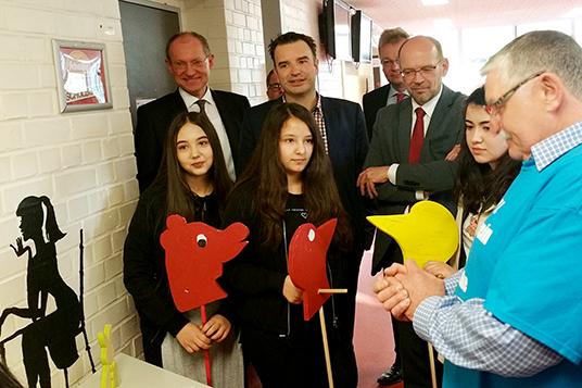 Das Bild zeigt den Minister-Besuch