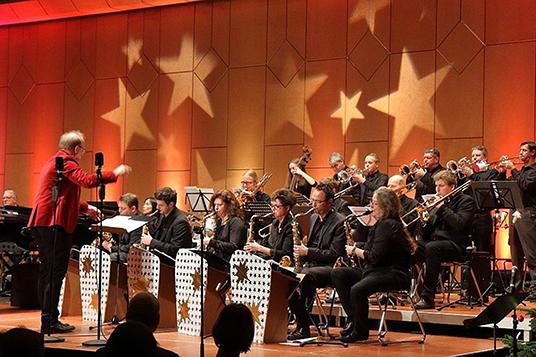 Das Bild zeigt die Jazzfire-Big Band