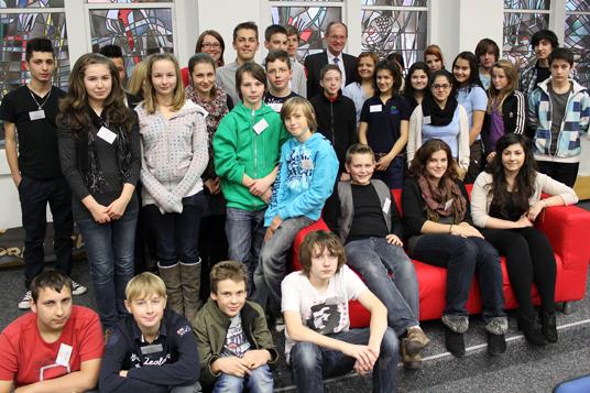 Das Bild zeigt die Mitglieder des Jugendrates