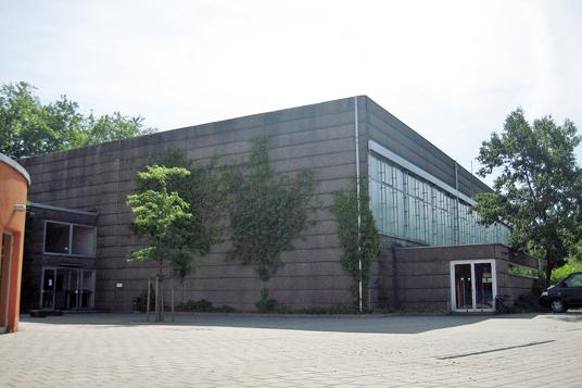 Das Bild zeigt die Nordparkhalle