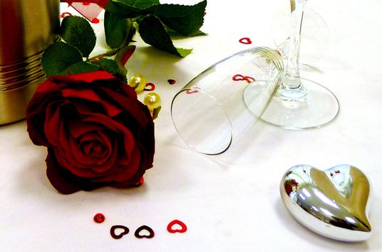 Das Bild zeigt das Hochzeitsarrangement