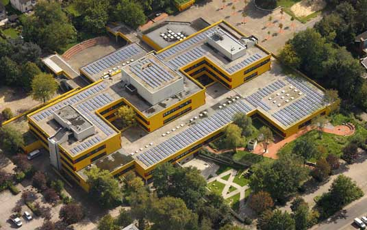 Das Bild zeigt die Ingeborg-Drewitz-Gesamtschule