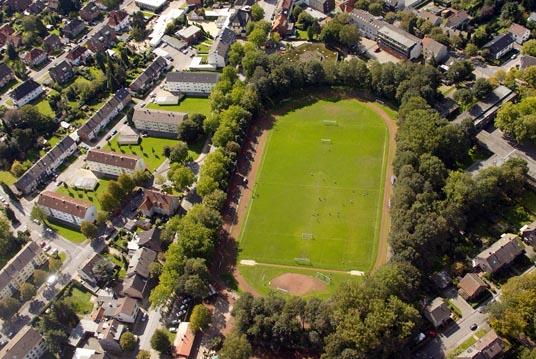 Das Bild zeigt den Fußballplatz in Zweckel