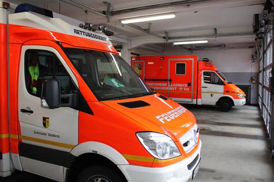 Das Bild zeigt den Rettungsdienst der Feuerwehr Gladbeck