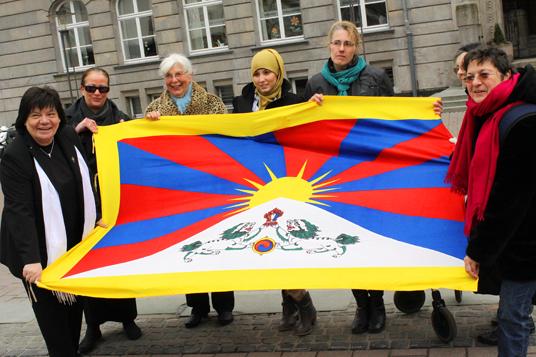 Das Bild zeigt die Aktion zum Jahrestags des tibetischen Aufstandes