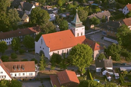 Das Bild zeigt die Haltestelle Christus König Kirche