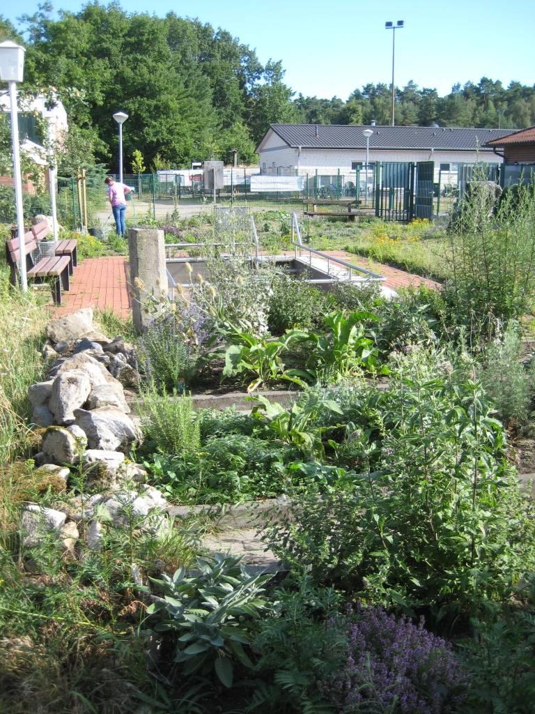 Unsere Kneippanlage mit Kräutergarten