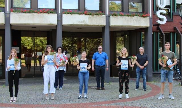 Die fünf Jugendlichen freuten sich über die erworbenen Zertifikate.