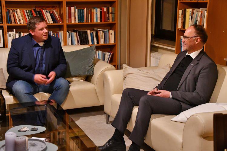 Bürgermeister Andreas Stegemann (links) und Weihbischof Rolf Lohmann trafen sich zu einem Gedankenaustausch.