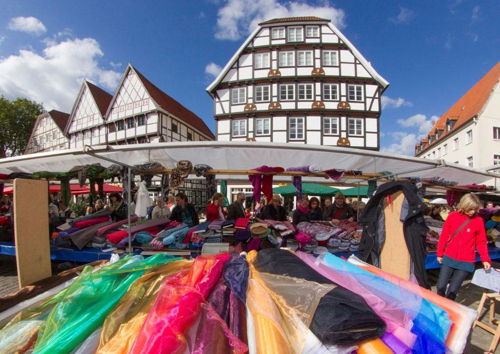 Stoffmarkt zum Herbstfest in Recklinghausen. Bild: Agentur Prinz