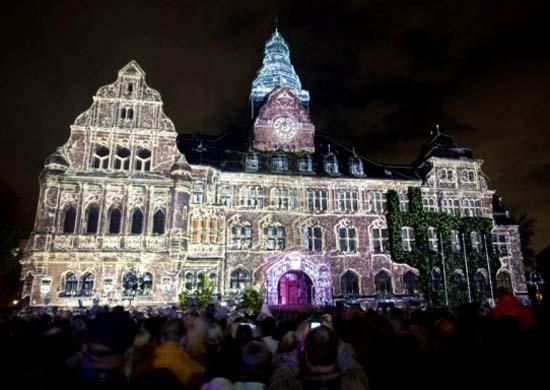 Rathaus bei Recklinghausen leuchtet