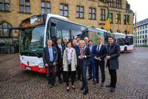 Foto: Emscherkunst 2016: Fototermin mit Bürgermeistern/Oberbürgermeister, Veranstaltern und Verkehrsbetrieben