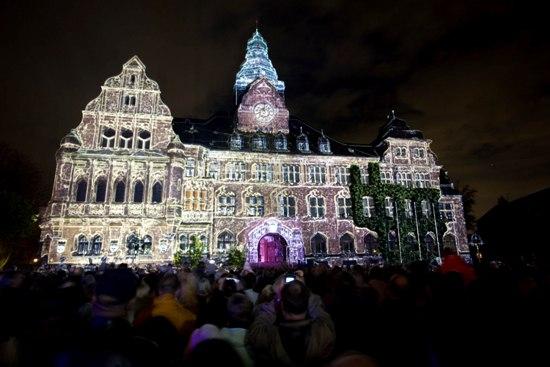 Rathaus leuchtet
